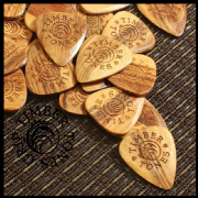 Timber Tones Grip - Palemoon - 1 Pick | Timber Tones